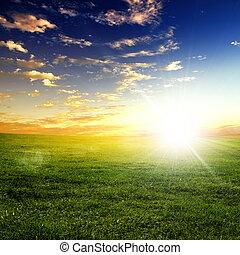 Naturlandschaft und Sonnenuntergang.