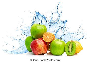 Obstmischung in Wasserspritzer