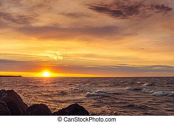 Ocean Coast bei Sonnenaufgang.