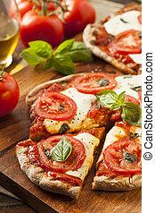 Organische selbstgemachte Margarita-Pizza