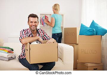 paar, ihr, junger, daheim, neu , auspacken