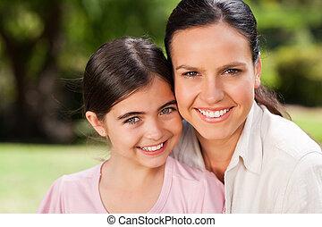 Porträt einer Mutter und ihrer Tochter