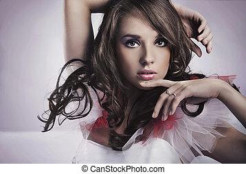 Porträt einer Schönheitsbrünette