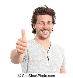 Porträt eines attraktiven Mannes mit Daumen hoch