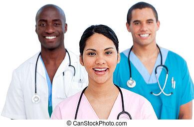 Portrait des jungen medizinischen Teams