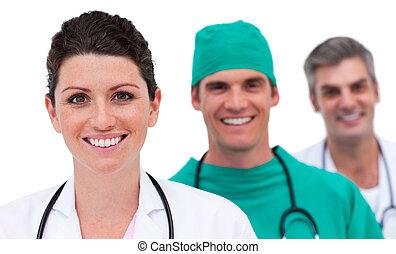 Portrait eines intelligenten medizinischen Teams