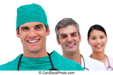 Portrait eines multiethnischen medizinischen Teams
