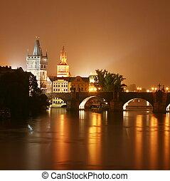 Prag in der Nacht