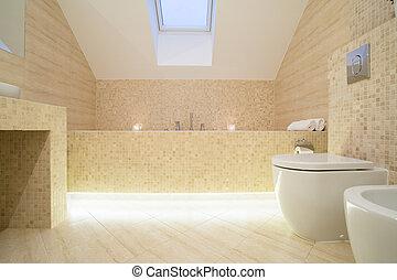 Raffiniertes Badezimmer.