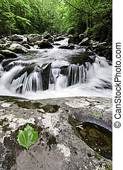 Rauchige Berge, Wasserfall