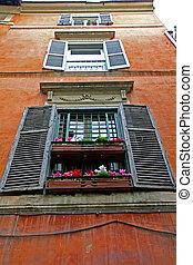 Reihe von Holzfenstern, Rommé