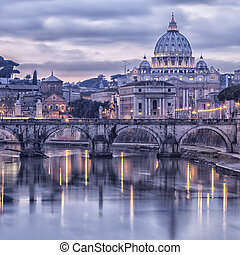 Rom und der Fluss Tiber bei Sonnenuntergang