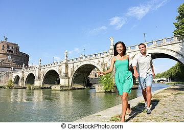 Romantische Paar Touristen in Rom