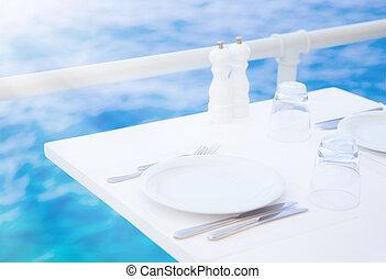 Romantisches Outdoor-Restaurant.