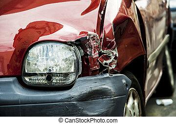 Rotes Unfallauto
