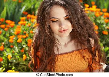 schöne , brünett, hairstyle., schoenheit, gesunde, hair., langer, wellig, portrait., draußen, woman.