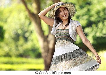 schöne frau, junger, asiatisch, draußen, lächeln