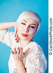 schöne frau, porträt, haar, blond, kurz, mode