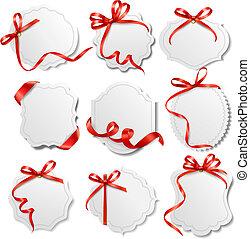 Schöne Karten mit roten Geschenken verbeugen sich mit Schleifen Vector