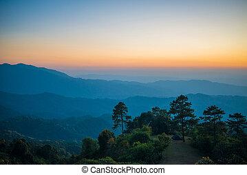 Schöne Sonnenuntergänge Natur Hintergrund.