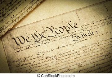 Schließen einer Kopie des US-Verfassungsdokuments