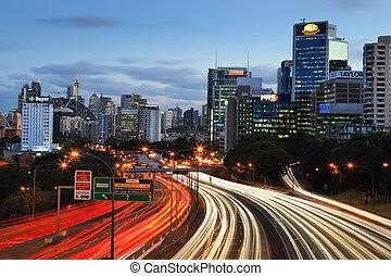 Schnellstraßen in die Stadt