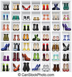 Schuhe an Regalen.