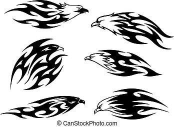 Schwarze und weiß fliegende Adler-Tattoos.