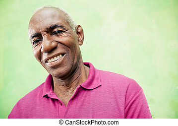senioren, schauen, fotoapperat, schwarz, porträt, lächelnden mann