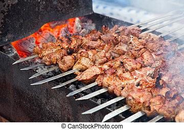shish kebab, frisch, appetitanregend, outdor, grill, steinkohle, holz, vorbereitet, fleisch, (shashlik)