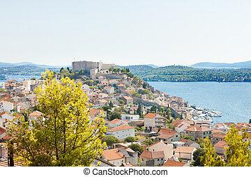 Sibenik, Kroatien - Aussicht auf die Altstadt von Sibenik.