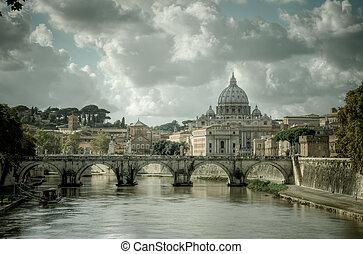 Sicht des Vatikans über Flussbehälter in Rom