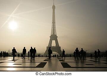 Silhouette von ihm Eiffelturm in Paris