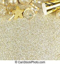 Silvester grenzt über einen goldenen Hintergrund