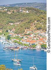 Skradin, Croatia - Segelschiffe am Hafen von Kradin.