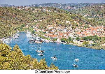 Skradin, Kroatien - Besuch der schönen Altstadt von Skradin.
