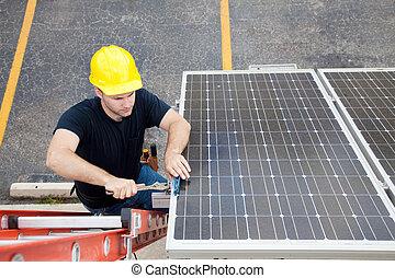 Solarpanel-Reparatur mit Kopierraum