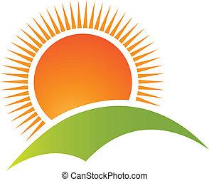 Sonnen- und Berglogovektoren.