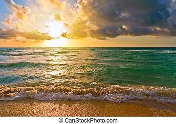 Sonnenaufgang, Atlantisches Meer, FL, USA