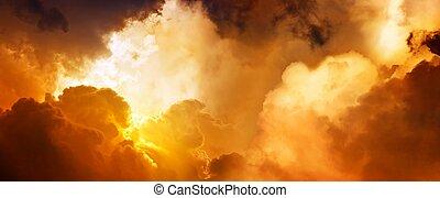 Sonnenuntergang im Himmel