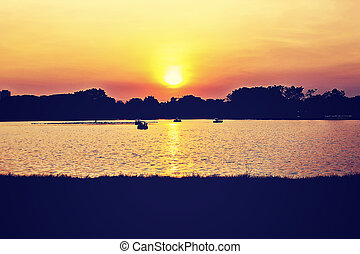 Sonnenuntergang im Park.