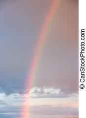 Sonnenuntergang und ein Regenbogen