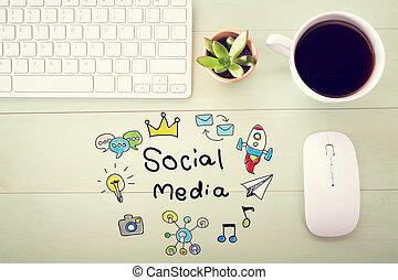 Soziales Medienkonzept mit Workstation.