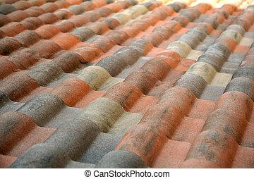 Spanisches Dach.