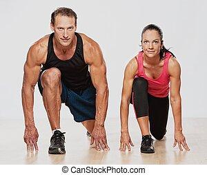 Sportler machen Fitnesstraining