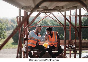 sprechende , arbeiter, brechen, zigarette, baugewerbe, qualmende