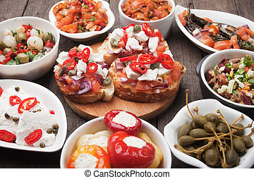 Tapas oder Antipasto-Essen.