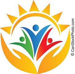 Teamwork-Hände und Sonnen-Logo