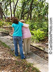 Teen hilft Senioren