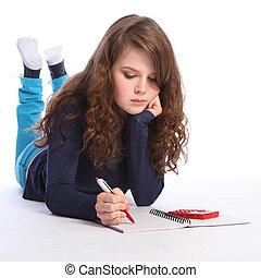 Teenager-Mädchen Mathe-Hausaufgaben mit Taschenrechner